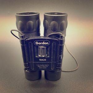 Gordon 10x25 Binoculars